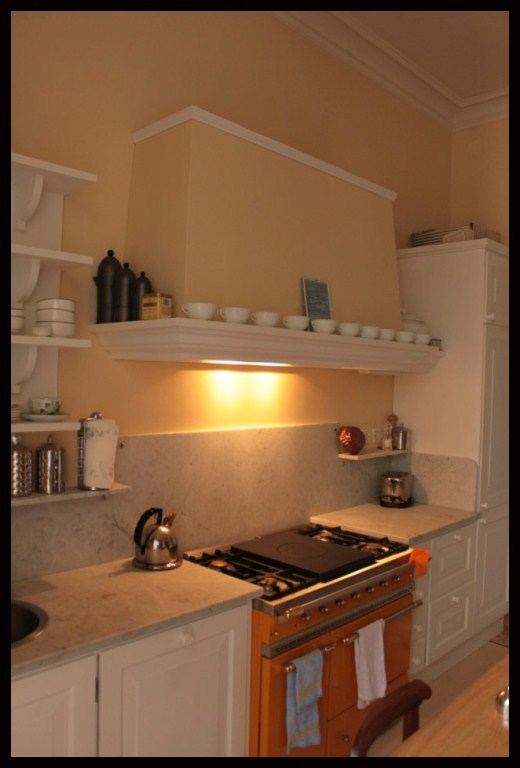 Cucina country bianca simple with cucina country bianca elegant cucina rossa country ad isola - Cucina country bianca ...
